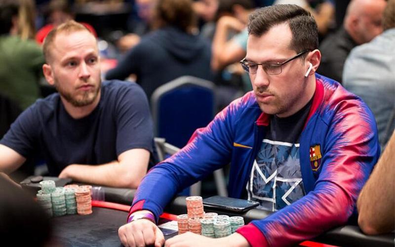 Артур Мартиросян победил в новом дополнительном турнире WSOP Online, обыграв в хедз-апе Федора Хольца